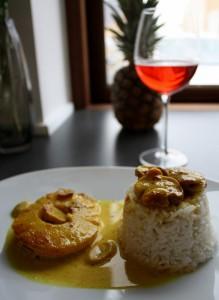 Koteletter i fad med karry og ananas
