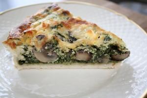 Spinattærte med svampe og feta