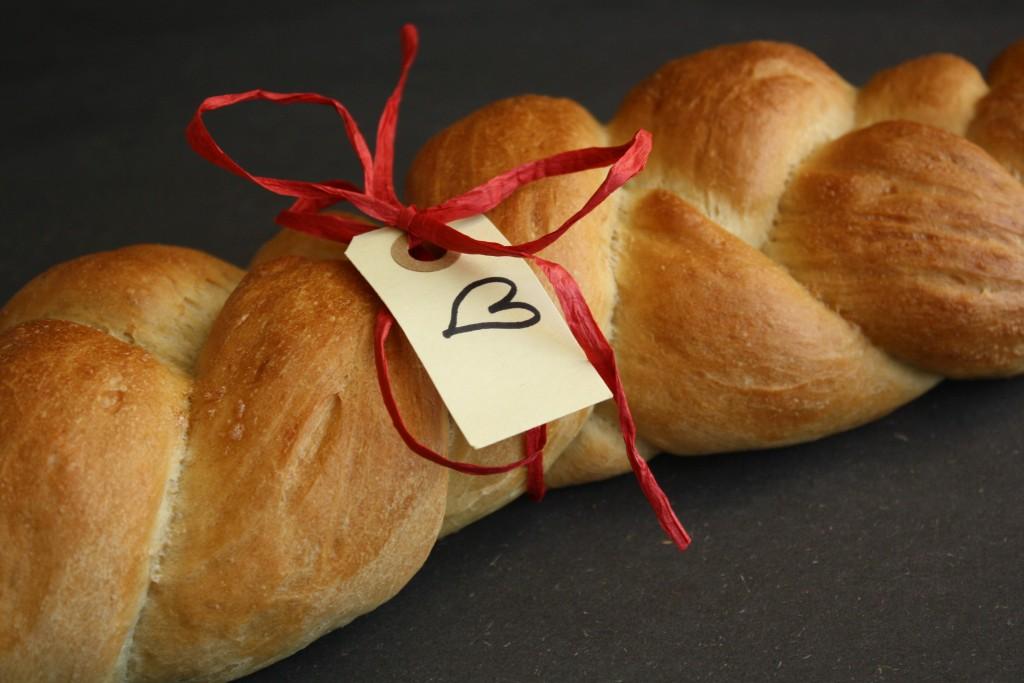 Brød bagt med øl og flettet