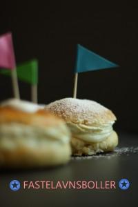 Fastelavnsboller med flødeskum og vaniljecreme